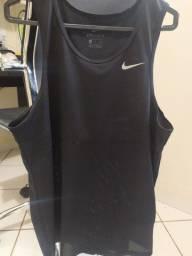 Regata Nike Tamanho P (comprada na Centauro)