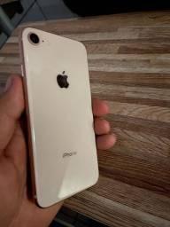 IPhone 8 de 64 gb, muito conservado.
