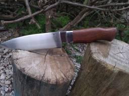 Faca de caça artesanal