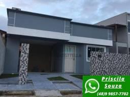 P.S CA0300- Excelente casa térrea no norte da ilha, 2 quartos, 2 vagas!!