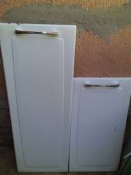 Portas superior e inferior do armário de cozinha Itatiaia