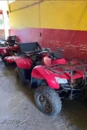 Vendo 2 quadriciclos Honda ( reformar)