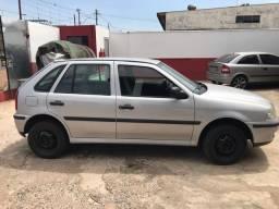 Carro gol 1000, básico, 2003 modelo 2004