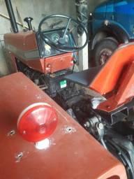 Trator MF235