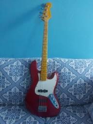 Título do anúncio: Baixo Jazz Bass Vermelho