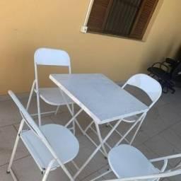 Vendo 3 Mesas de ferro com 12 cadeiras