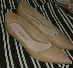 Sapatos semi novos, tamanho 36 37 E 37 38