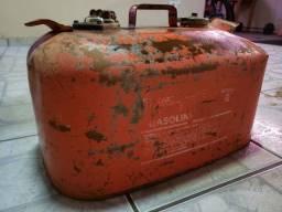 Galão antigo gasolina para barcos ou jipe