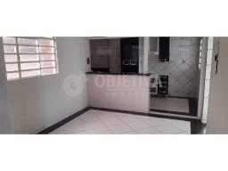 Casa para alugar com 3 dormitórios em Sao jorge, Uberlandia cod:470422