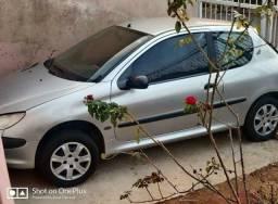 Peugeot 206 1.6 8v (aceito troca)