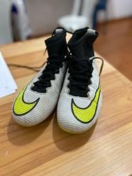 Título do anúncio: Chuteira Nike n36 - original