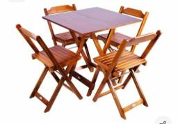 Conjunto de mesas com 4 cadeiras semi novos