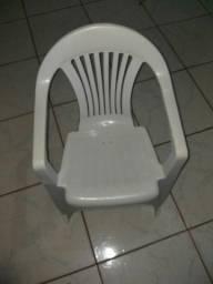 Cadeiras de plastico