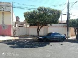 Título do anúncio: Casa em Dracena - SP no Centro lugar privilegiado Lote: 14 x 39 Metro