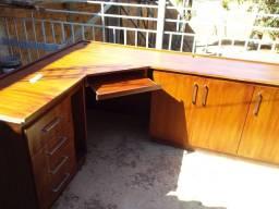 Mesa para escritório e estudos