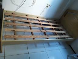 Cama com colchão 150.00