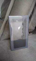 IPhone 8, 64GB, Cinza Espacial - Lacrado