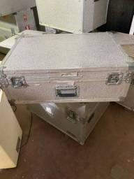 Várias Caixas de alumínio P/ Armazenagem ou Transporte