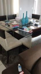 Mesa com 8 cadeiras usada