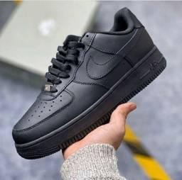 Nike Air Force preto