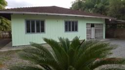 Casa com 3 dormitórios para alugar, 130 m² por R$ 2.100,00/mês - Bom Retiro - Joinville/SC