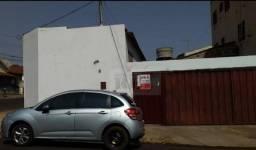 Casa com 2 dormitórios para alugar, 54 m² por R$ 800,00/mês - Jardim América - Rio Verde/G