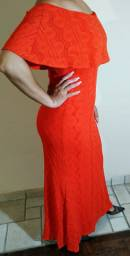 Vendo vestido seminovo para festas, usado única vez. Modelo sereia, fica lindo no corpo!