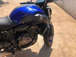 Vende-se Moto Yamaha MT-07 689CC