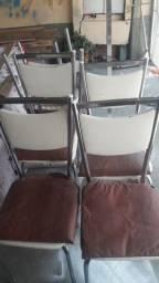 Cadeiras de ferro. ( 6 lindas cadeiras).