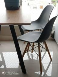 Mesa com 4 cadeiraa