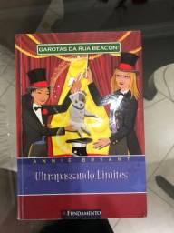Livro da coleção garotas da rua beacon