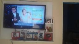 Vendo TV TOSHIBA toda boa de 40 polegadas pega Internet..E vendo o painel tbm toda boa