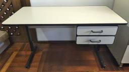 Mesa para escritório 1,20m x 0,60 - usada
