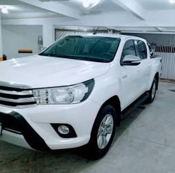 Toyota Hilux  CD SRV  2.8 4X4 turbo Diesel Auto C/ 26 mil Km