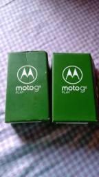 Duas caixas de moto g8