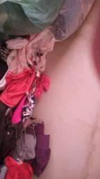 Vendo mais de 100 peças de roupas para bazar