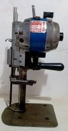 Máquina de cortar (Têxtil)