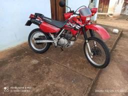 Vendo ou troco XR 200 R Relíquia