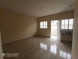Casa de condomínio no Parque Edu Chaves com 2 quartos, sala e cozinha (sem vaga)
