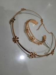 Conjunto de colar e bracelete banhado a ouro