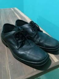 Só hoje! Sapato Social em excelentes condições, tam 40