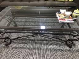 Mesa de centro pé de ferro vidro bisotado med: 1,40mt x 80cm