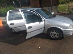 Vendo Corsa Sedan Sprinter valor R$ 13.500,00
