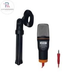 microfone tripé ajustável e basta conectar o cabo P2 para estar utilizando