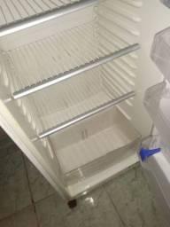 Vendo geladeira continenta 370 l duprex l