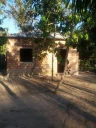 Casa com terreno grande no Mararu