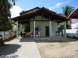 Casa com 5 quartos sendo 2 suíte, lado do mar e próximo a avenida em Pau Amarelo