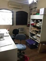 Alugo casa semi mobiliado ideal para escritórios, clinicas no Ilhotas