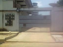 Aluga-se bom apartamento de 2 quartos, garagem, R$600,00, no belo horizonte