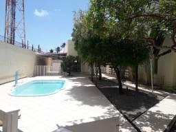 Alugo excelente casa no Olho D'Água com quatro suítes e área de lazer completa